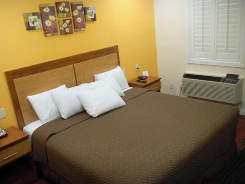 America's Best Inn & Suites - Merced, CA 95341