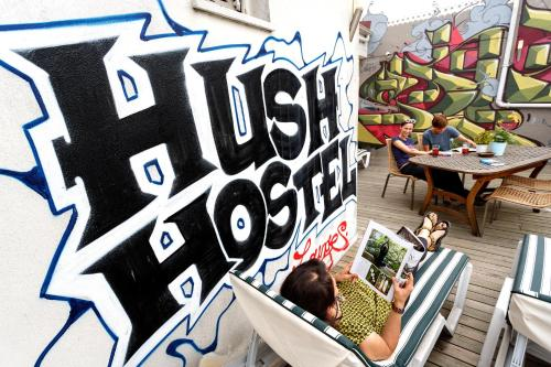 Hush Hostel Lounge Photo