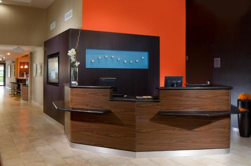 Courtyard by Marriott Fort Lauderdale East Photo