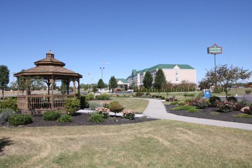 Country Inn & Suites By Carlson, Findlay, OH Photo