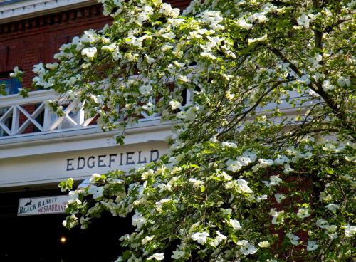 McMenamins Edgefield Photo