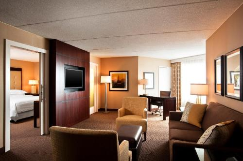 Sheraton Parsippany Hotel Photo