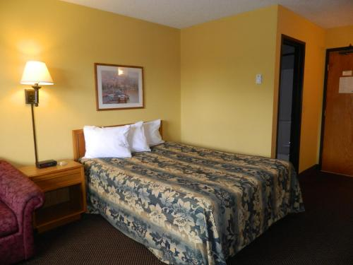 Rodeway Inn Red Wing Photo