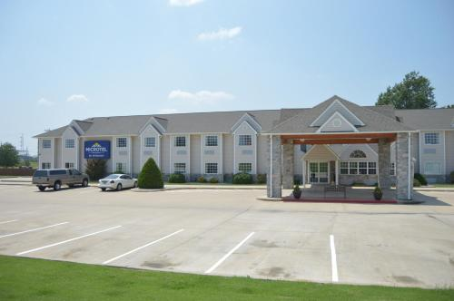 Microtel Inn and Suites By Wyndham Photo