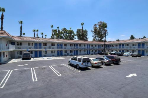 Motel 6 Los Angeles - Hacienda Heights Photo