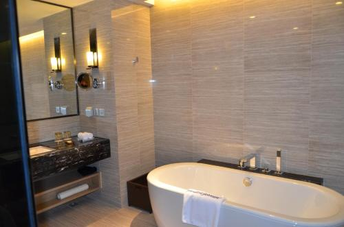 Howard Johnson Jinghope Serviced Residence Suzhou photo 14