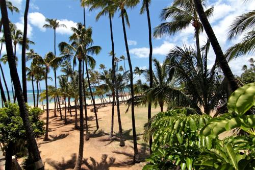 The New Otani Kaimana Beach Hotel Photo