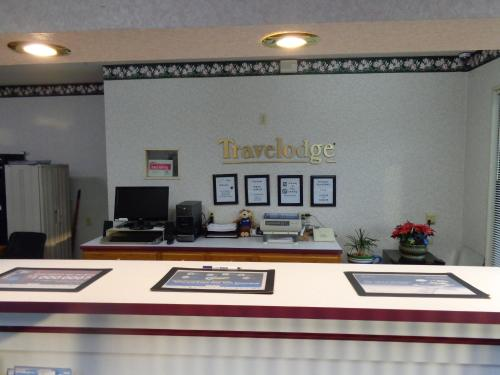 Travelodge Ridgeway Martinsville Photo