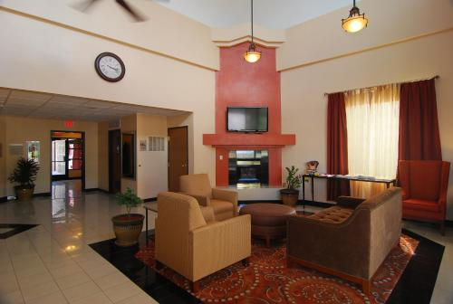 Best Western Plus Gold Poppy Inn - Tucson, AZ 85743
