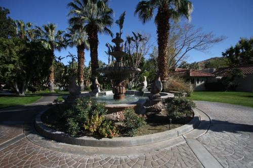The Oasis Resort - Palm Springs, CA 92264