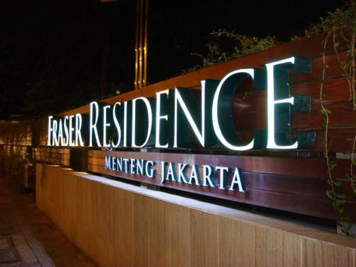 http://www.booking.com/hotel/id/fraser-residence-menteng-jakarta.html?aid=1518628