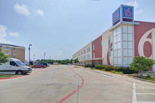 motel 6 fort worth northlake speedway roanoke tx united