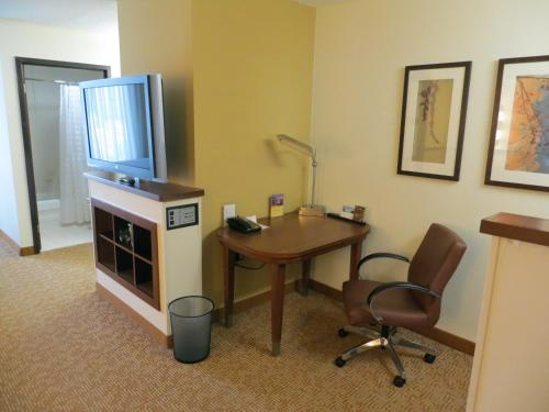 Hyatt Place Atlanta Alpharetta North Point Mall Photo