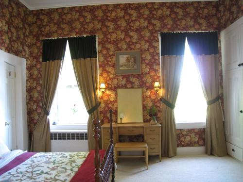 Allegheny Street Bed & Breakfast Photo