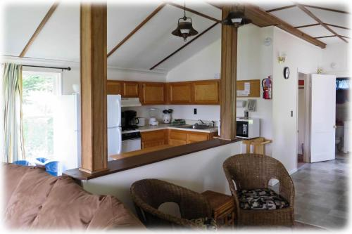 Bayside Inn & Marina - Three Bedroom Cottage L Photo