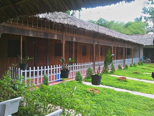 Ap ca h ng hotels hotel booking in ap ca h ng viamichelin for Jardin du mekong homestay