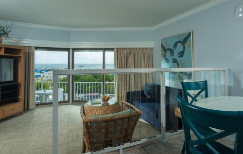 Beachfront Penthouses Photo