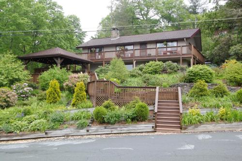 Cliff Dwellers Inn Photo