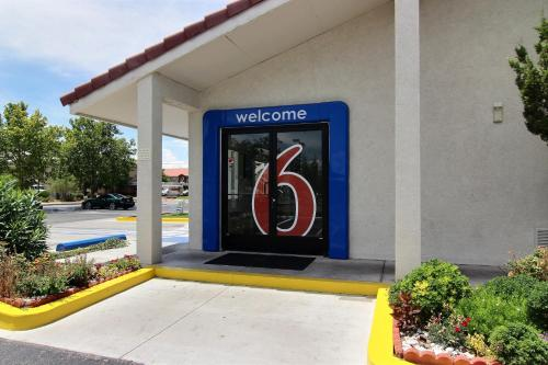 Motel 6 Albuquerque - Coors Road Photo