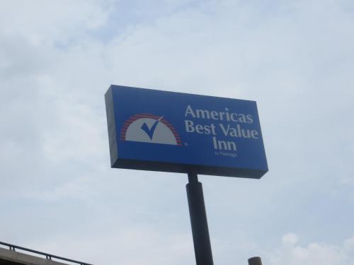 Americas Best Value Inn Austin photo 9