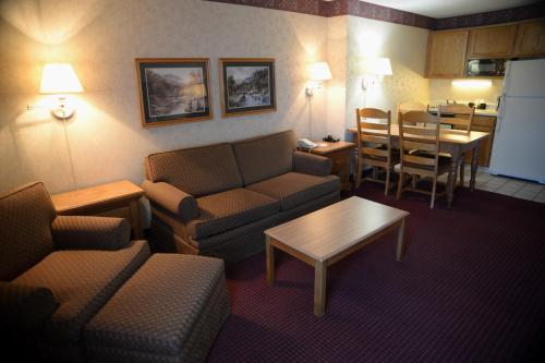 Clarion Inn & Suites Craig Photo