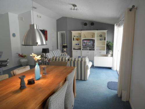 The Foursome Villa by Golf Resort Inverness Photo