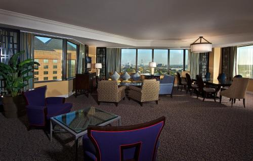 Hilton Anatole photo 8
