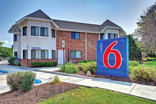 Motel 6 chicago north glenview glenview il united for Motels in chicago