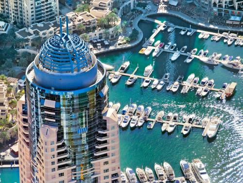 Dubai Marriott Harbour Hotel And Suites impression