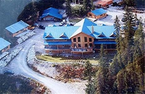 Glenogle Mountain Lodge and Spa, eco-hotel in Golden, Canada