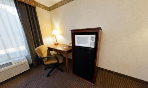 Country Inn & Suites By Carlson, Mansfield, OH Photo