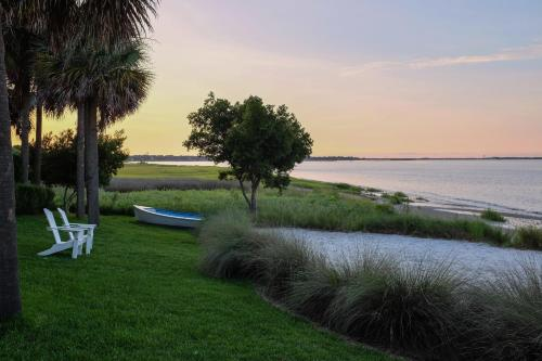 The Cottages on Charleston Harbor Photo