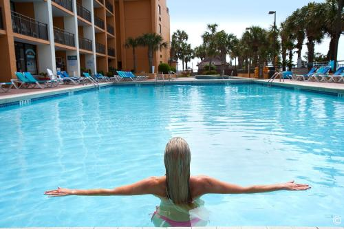 Caravelle Resort Photo