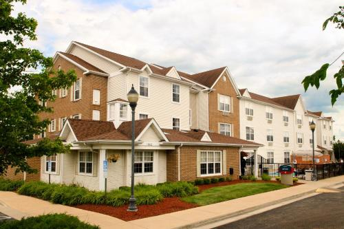 Photo of TownePlace Suites Saint Louis Fenton