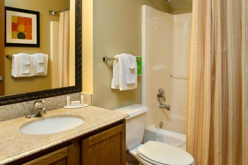 TownePlace Suites Saint Louis Fenton Photo