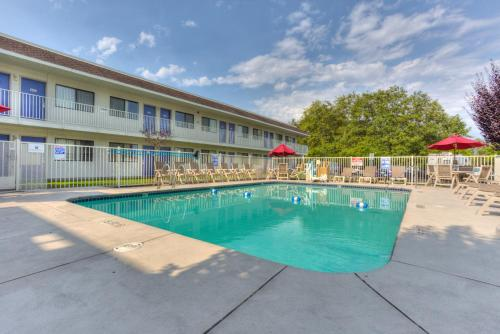 Motel 6 Portland East - Troutdale Photo