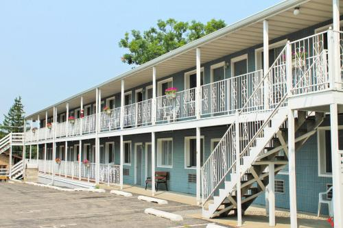 White Rose Motel Photo