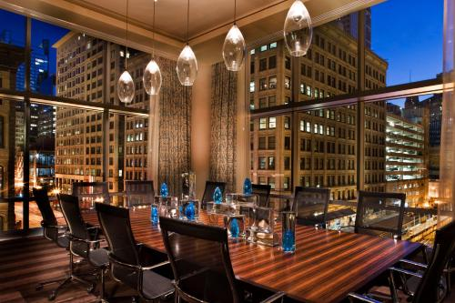 theWit Chicago, A DoubleTree by Hilton Hotel Photo