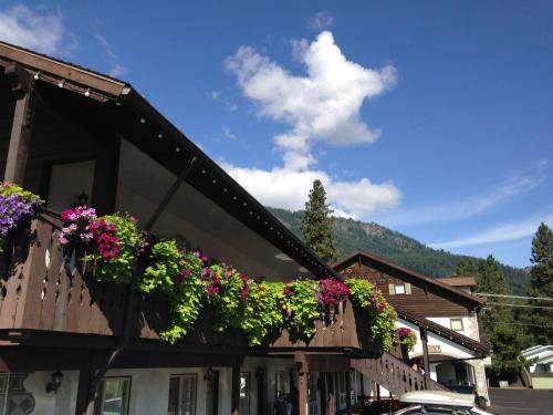 Linderhof Inn Photo