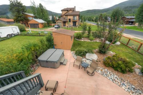 702 Pitkin Townhome by Colorado Rocky Mountain Resorts Photo