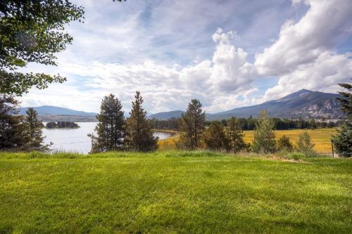 Lake Forest 102C by Colorado Rocky Mountain Resorts Photo