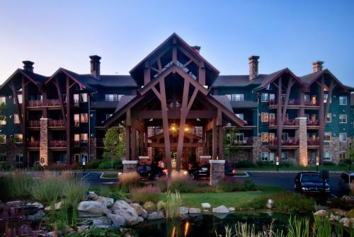 Photo of Grand Cascades Lodge