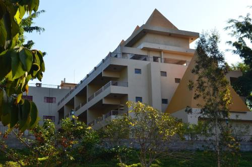 Hotel Piramides Jarinu Photo