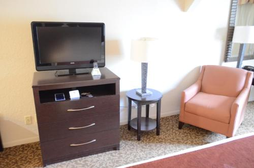 Best Western Plus Westchase Mini-Suites photo 10