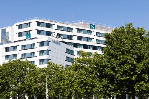 AC Hotel Paris Porte Maillot by Marriott, A Marriott Luxury & Lifestyle Hotel photo 15
