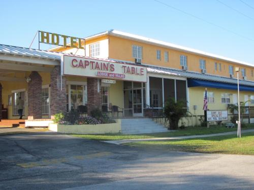 Captain's Table Lodge and Villas Photo