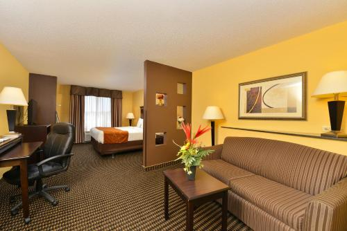 Comfort Suites Rochester Photo