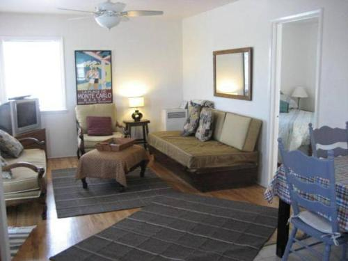 Amsi Mission Beach One Bedroom Apartment (Amsi Ava-735)