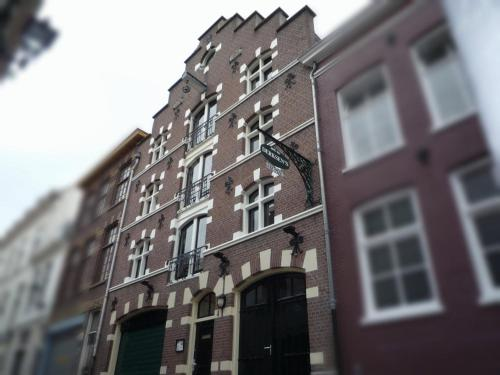 The Hague Apartments