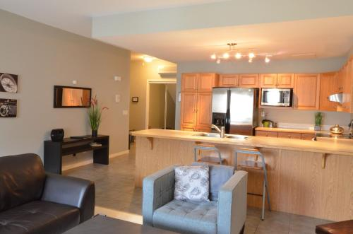 Executive Suites by Roseman Inglewood Photo